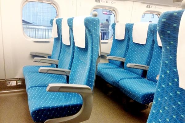 「元日・JR西日本乗り放題きっぷ」は新幹線や特急の指定席を利用できます。