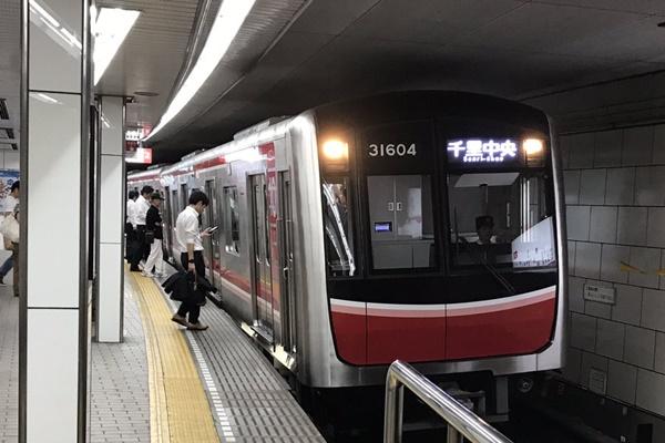 大阪メトロ「梅田駅」「東梅田駅」「西梅田駅」で途中下車&乗り換え