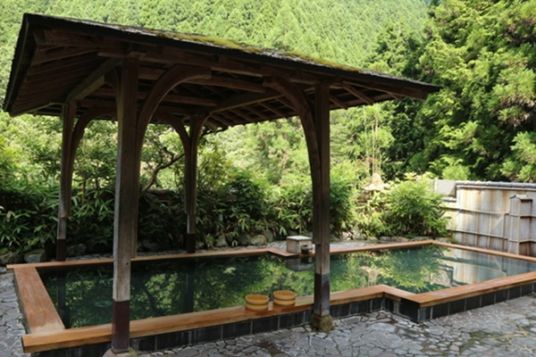 叡山電車の「くらま温泉」入浴つき割引切符「鞍馬・貴船散策チケット」